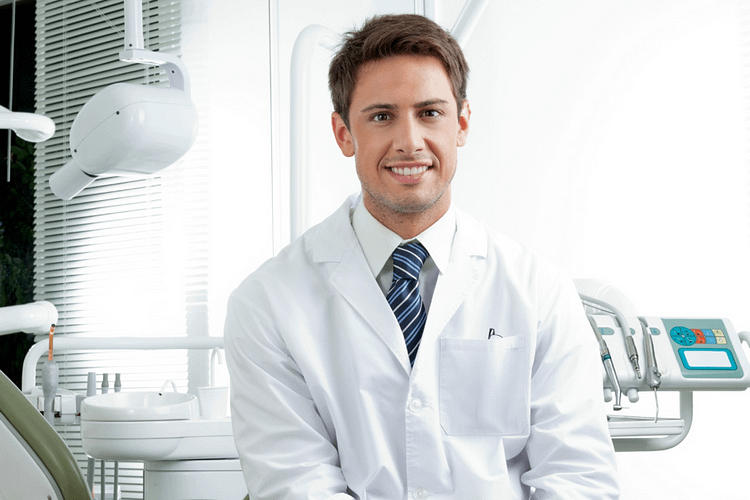 """""""Periodontist Near Me"""" – How to Pick the Best Periodontist for You"""